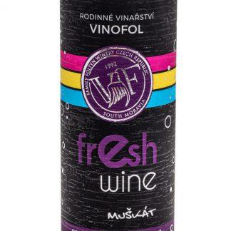 Muskat morawski półsłodkie wino musujące